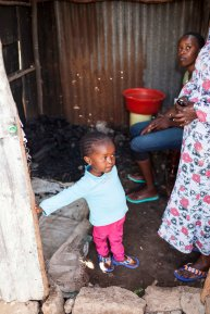 Elizabeth's youngest daughter Nice (3) already takes a keen interest in the family business.